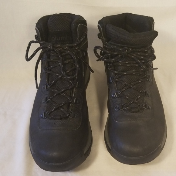 Columbia Shoes | Yoncalla Hiking Boots